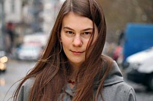 """Lara-Luna Wojtkowiak, Studentin an der Schauspielschule """"Der Kreis"""" Berlin"""
