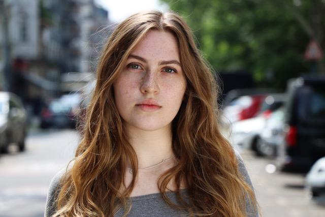 Emily Falkenberg, Schülerin der Fritz Kirchhoff Schauspielschule