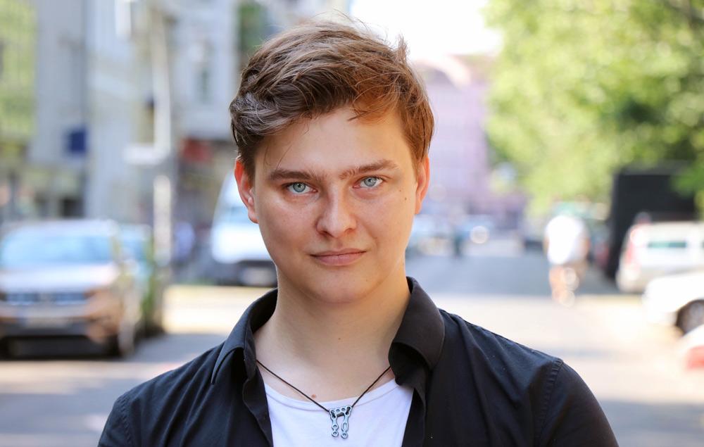 "Dominik Kindermann, Schüler der Schauspielschule ""Der Kreis"""